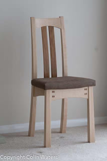 Dining chair in ripple ash